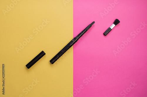 Black eyebrow - 228139989