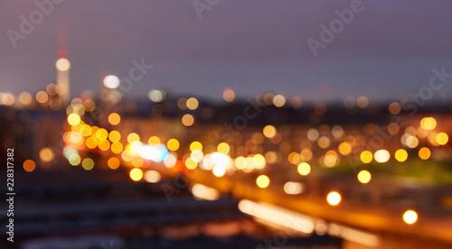 Berlin City bei Nacht als abstrakter Hintergrund © Robert Kneschke