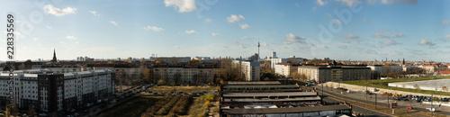 Fridge magnet Berlin City Panorama mit Fernsehturm und Himmel