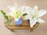 ユリのつぼみと花