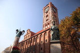 Town hall in Torun with Nicolaus Copernicus statue