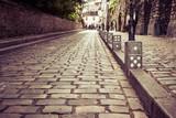 rue pavée de montmartre