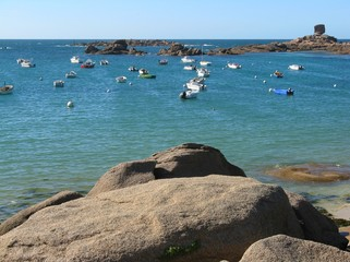 Océan vu du littoral en Bretagne
