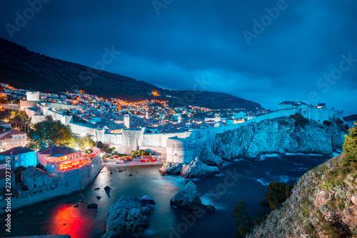 Leinwanddruck Bild Historic town of Dubrovnik at twilight, Dalmatia, Croatia