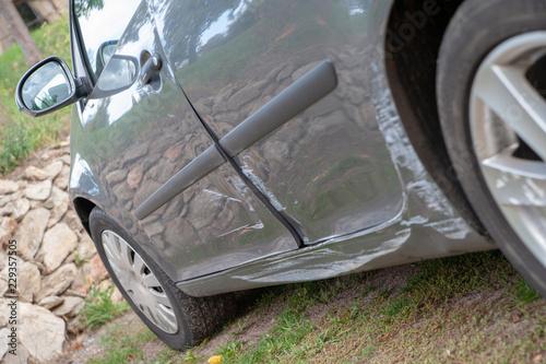 beule und delle im lack karosserie bei auto unfall