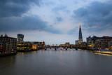 Abenddämmerung in London - 229918720