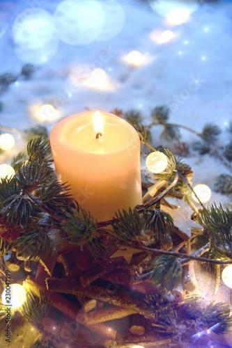 Weihnachtskarte - Adventskerze im Schnee