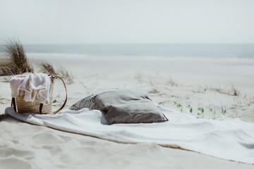 Picnic et boissons fraîches sur la plage