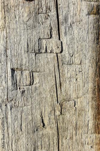 Alter Holzbalken verwittert - 230458371