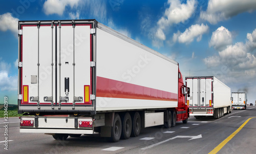 Leinwanddruck Bild The trailer transpor