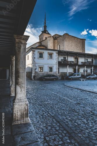 Colmenar de Oreja znajduje się w południowo-wschodniej części Autonomicznego Regionu Madrytu
