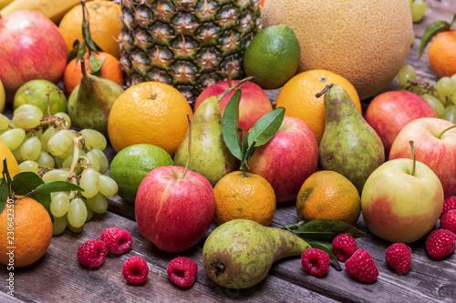 Frisches Obst - 230642350