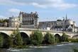 """Leinwanddruck Bild - Château Royal d'Amboise surplombe la Loire, """"Château de la Loire"""", un pont en premier plan, département d'Indre-et-Loire, France"""