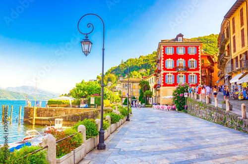 Leinwanddruck Bild Promenade von Cannobio am Lago Maggiore, Piemont, Italien