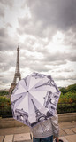 Parapluie tour Eiffel Paris France