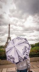 Parapluie tour Eiffel Paris France