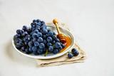 Grape and honey - 231383530