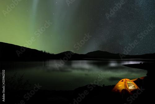 Leinwanddruck Bild Zelt vor Nordlicht