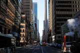 rue de New York et cheminée de fumée