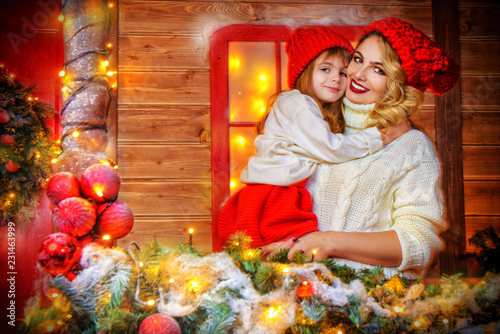 Leinwandbild Motiv little daughter with mom