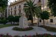 Leinwanddruck Bild - Statue in Valencia