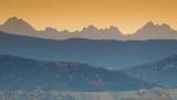 Widok na góry z 70 kilometrów