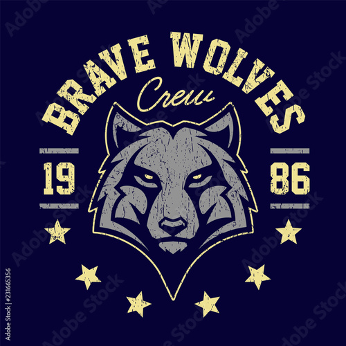 Wolf Mascot Grunge Emblem Design - 231665356