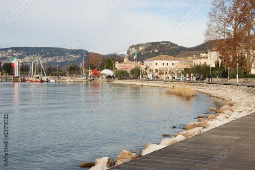 Acrylglas Pier Caratteristico borgo sul lago d'Iseo