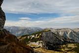 Herbstlandschaft in den Tiroler Alpen - 231928702