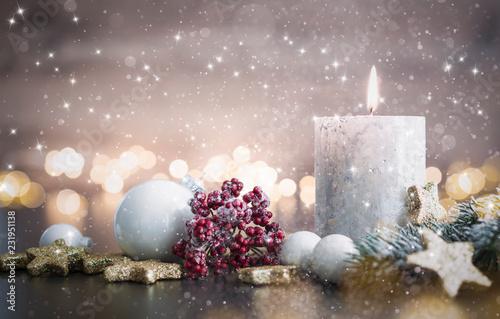 Leinwanddruck Bild Advent mit winterlichem Gesteck und Kerze