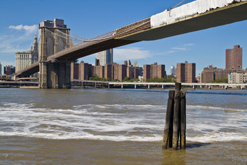 Brooklyn bridge © Mikhail Loginov
