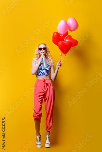 Leinwanddruck Bild woman and balloons