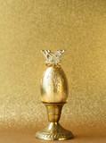 golden egg symbol of wealth - 232233122