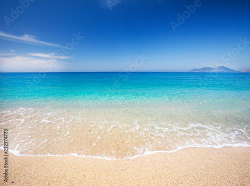 Foto Murales beach and beautiful tropical sea