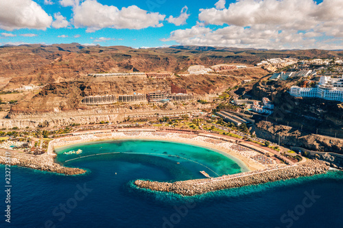 Foto Murales Aerial panorama view of the Amadores beach on the island of Gran Canaria, Spain.