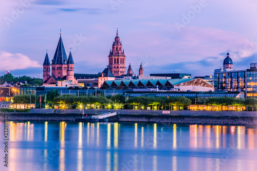 Leinwandbild Motiv Mainz cityscape color picture in the blue hour with St. Martin´s cathedral