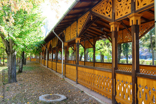 Drewniany punkt zwrotny kolumnady