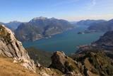 Zauberhafter Lario; Blick vom Monte Grona hinunter zum Comer See - 232941541