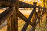Vallas  de madera en otoño - 232947392