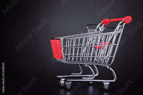 Shopping cart ready for a shopping day © jivimages