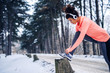 Leinwanddruck Bild - Youn can't let the weather affect your fitness routine