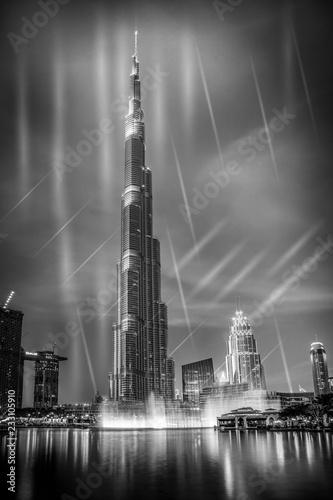 Leinwanddruck Bild burj khalifa with fountain show, Dubai, UAE