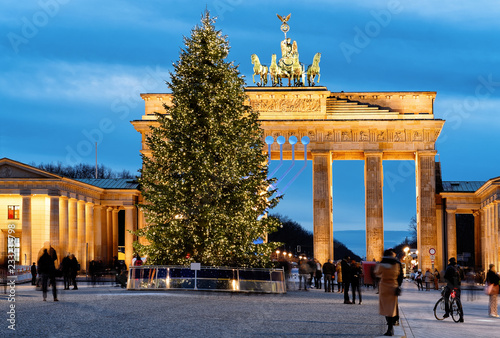 Brandenburg Gate Building Berlin night Germany © Roman Babakin