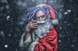 Leinwanddruck Bild - santa with bright dreadlocks
