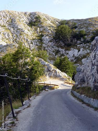 Die Straßezum Gipfel im Nationalpark Biokovo - 233264987