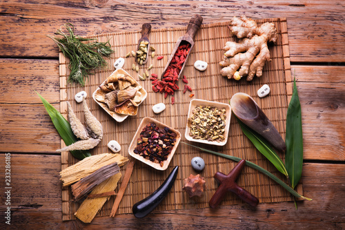 Leinwanddruck Bild Alternativmedizin  -  Traditionelle Chinesische Medizin
