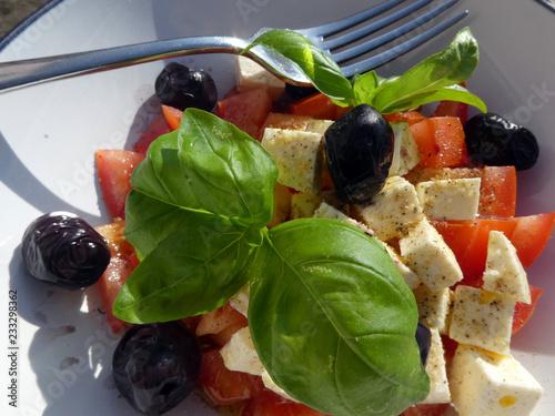 Tomaten Schafskäse Salat - 233298362