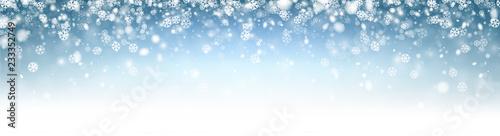 Błękitny abstrakcjonistyczny błyszczący zima sztandar z płatkami śniegu.
