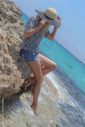 Foto Murales girl by the sea