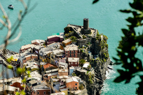 mata magnetyczna castle on rock, beautiful photo digital picture, in cinque terre, Liguria, Italy